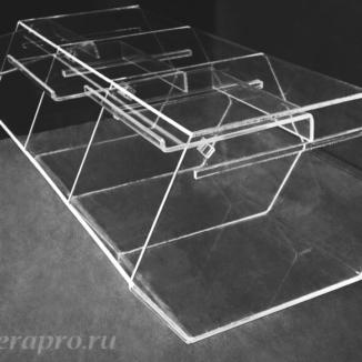 Трехсекционная мини-витрина из оргстекла для сушеных и вяленых морепродуктов, снейков, орехов и других развесных и сыпучих продуктов